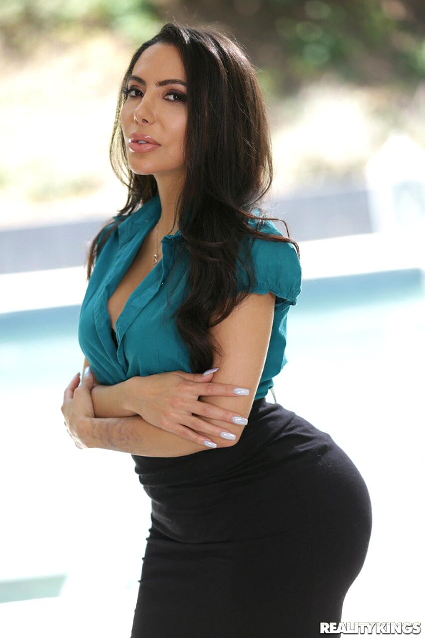 Babe Today Milf Hunter Lela Star Mz Latina Picsnipple Porn