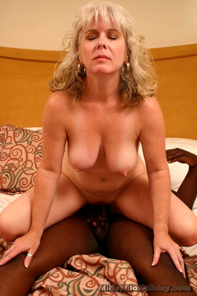 Babe Today Milfs Wild Holiday Stacey Digital Housewives -4475