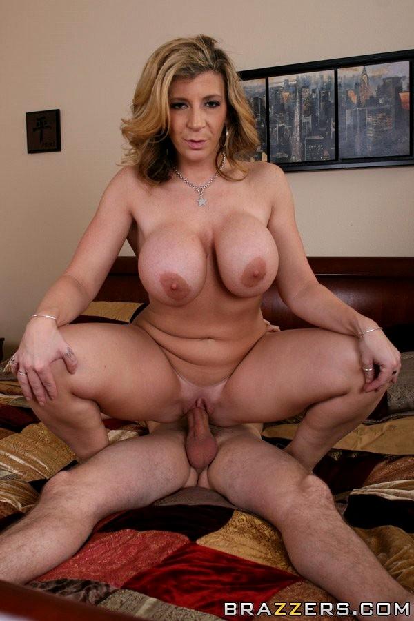 Sara Jay 7
