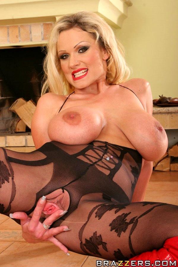 Babe Today Mommy Got Boobs Sharon Pink Hey Legs Sexo Xxx -7639