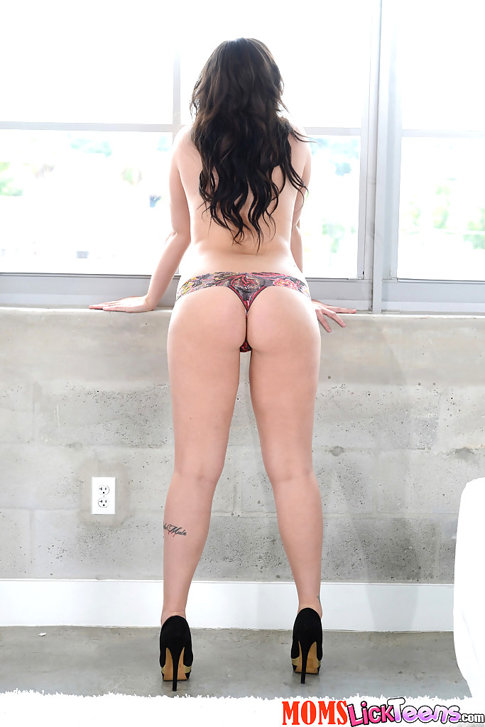 ezarik-porno-naked-jolene-van-vugt