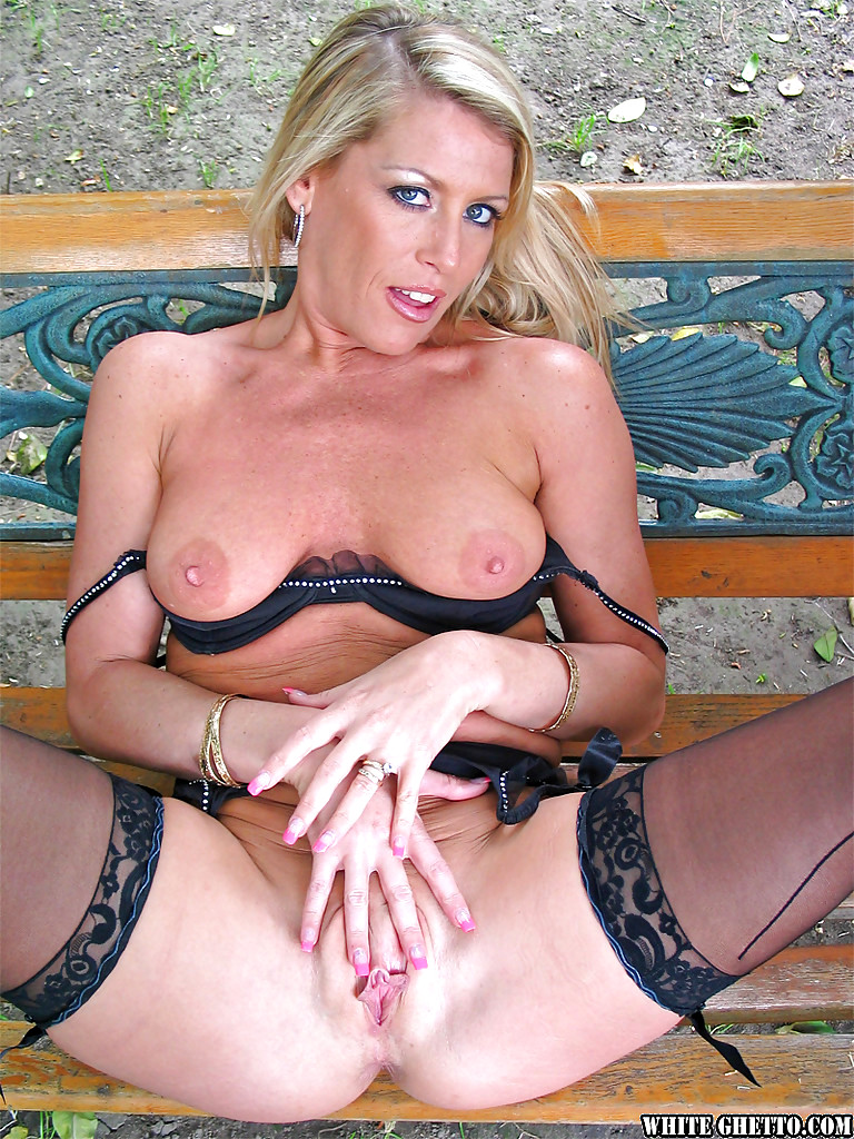 Chelsea zinn biography free images pictures mature porn stars images free pornstars pics