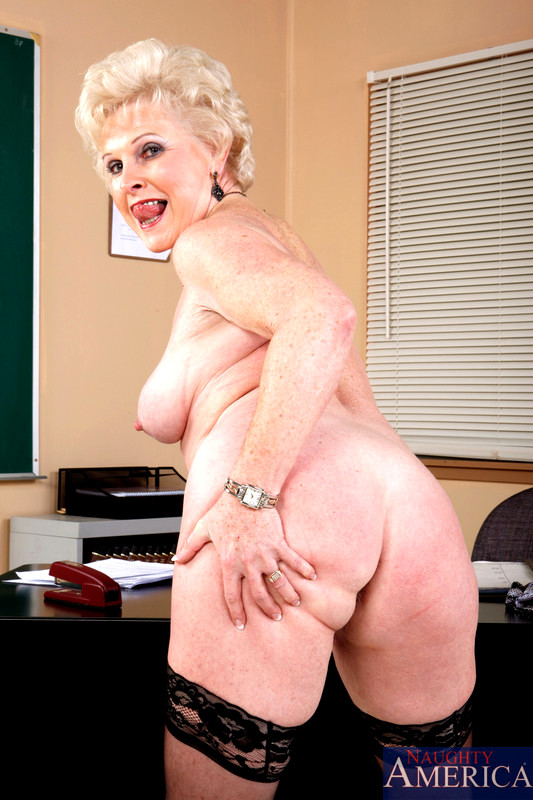 nude woman in furs