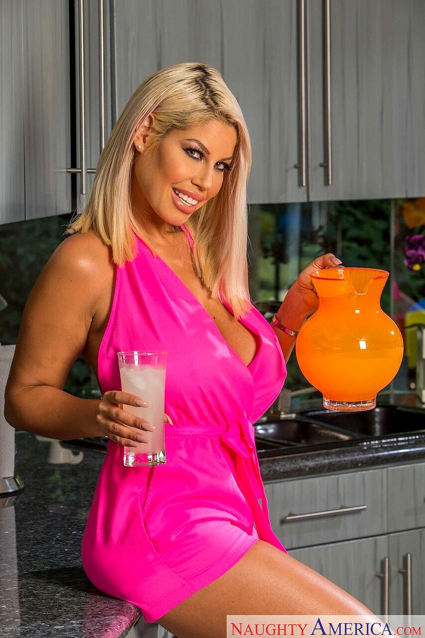 My friend hot mom bridgette Babe Today My Friends Hot Mom Bridgette B Sluts Pornbabe Wwwimagenes Mobile Porn Pics