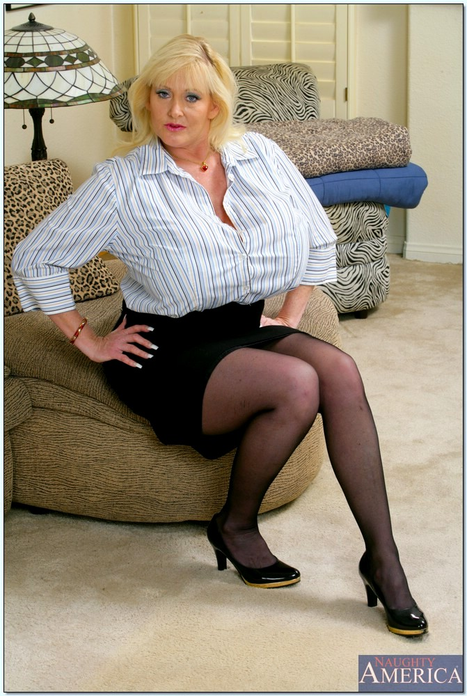 Sexy bbw milf billie austin gets her first big black cock - 2 part 3
