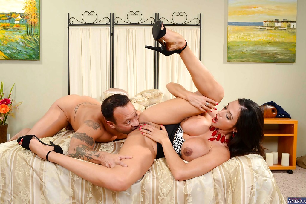 Ariella ferrera fucking in the douche with her bubble booty in my friend's hot mother