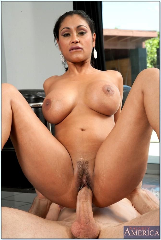 milf big boobs nude