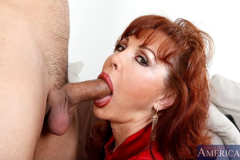 смотря деликатный порно аппетитных дамочек делают минет время областного