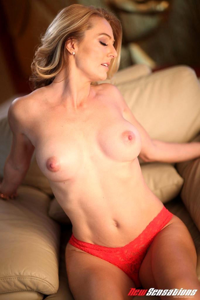 Brenda James Porn Videos 32 - Page 2