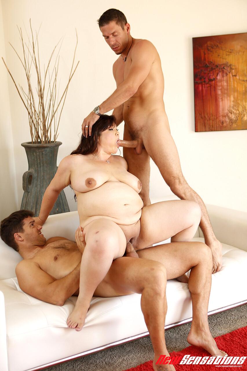 Bbw Skinny Girl Threesome