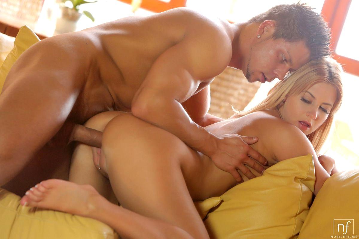 Красивые голые девушки на порно фото - самые красотки