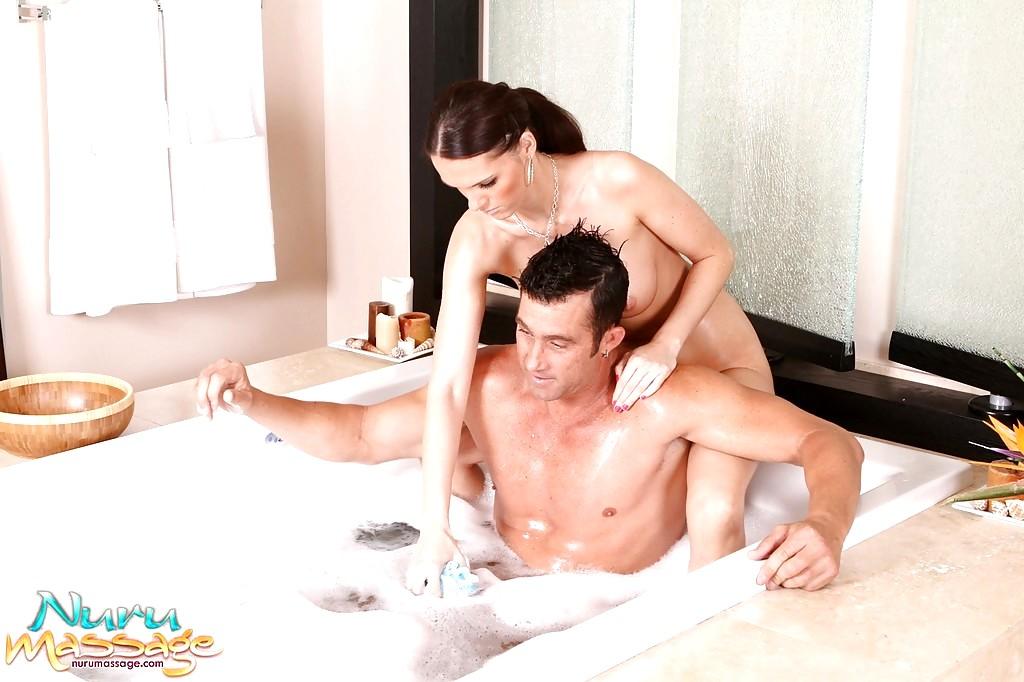 sociale media massage handjob in Ootmarsum