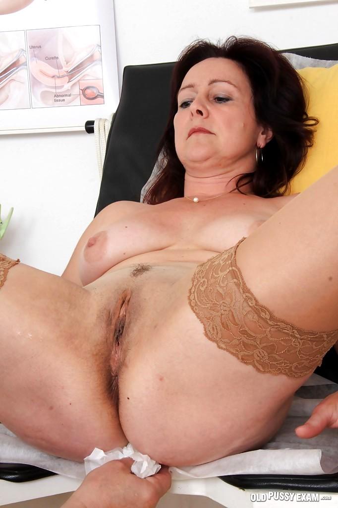 halle berry s big tits pics