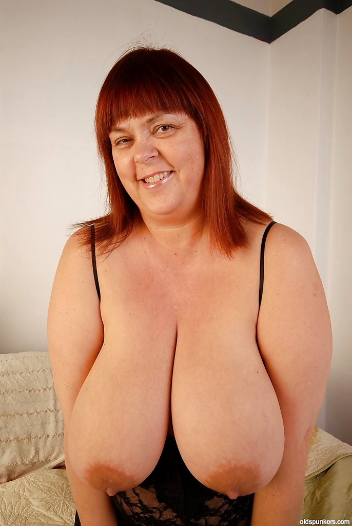 Mature Women Natural Breasts