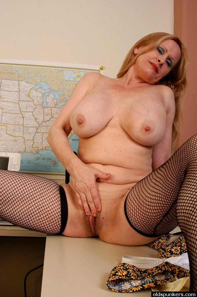 Babe Today Old Spunkers Lavender Autumn Big Tits Thigh Gap -8245