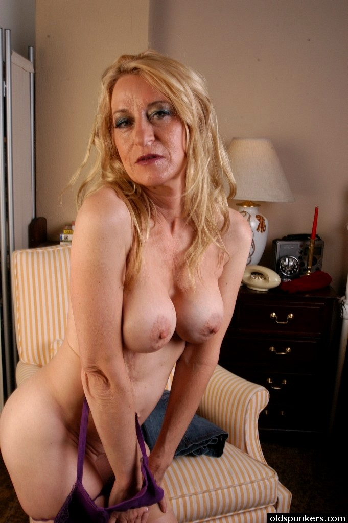 Mature old woman 47 - 3 6