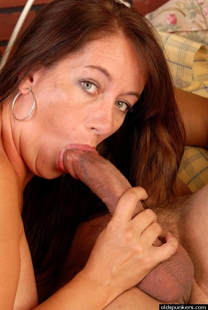 slender-mature-sex