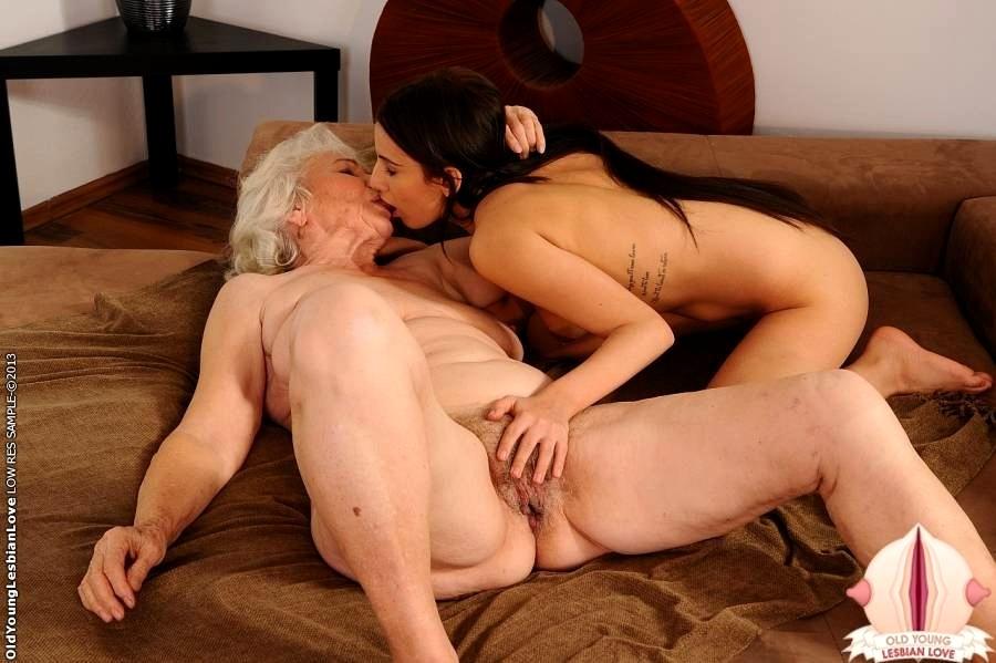 Granny Lesben Porn