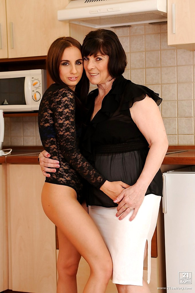hhh-foto-lesbiyanki-zrelie