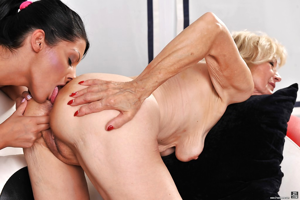 Lovely vivien bell pussy drips with cum 8
