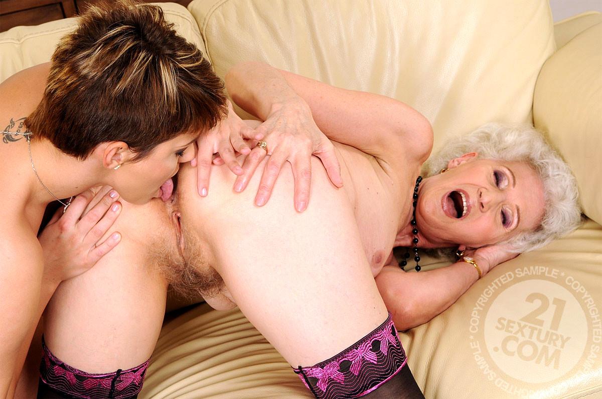 Granny Lesbians Making Love