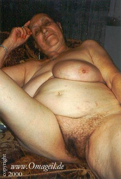 Old Granny Nude Gallery