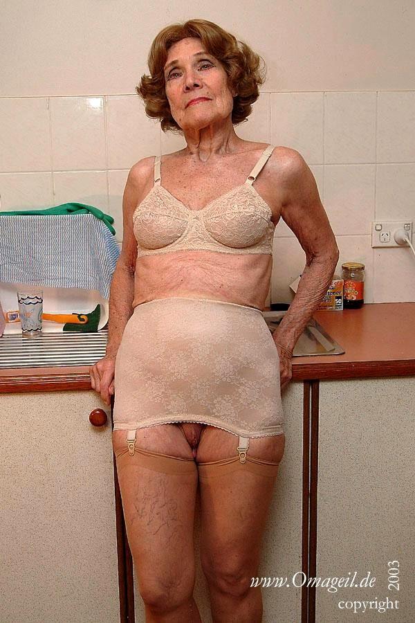 Nude pics Bobs line pantyhose
