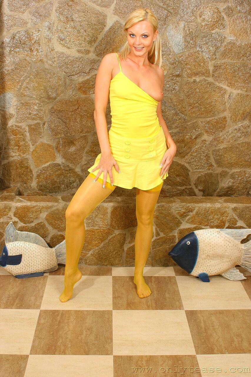 Arvida Bystrom: Model gets rape threats for hairy legs