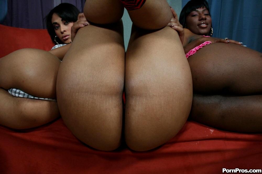 Asian bubble butt-3096