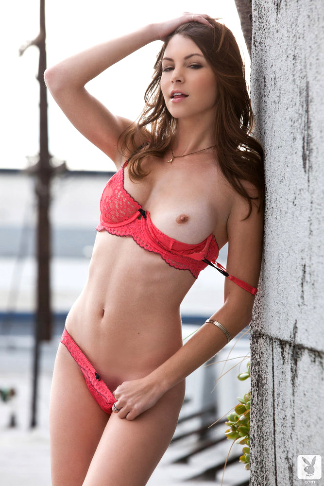 Freak Amber Sym Strips Off Her Red Lingerie In The Outdoors Pictures 1