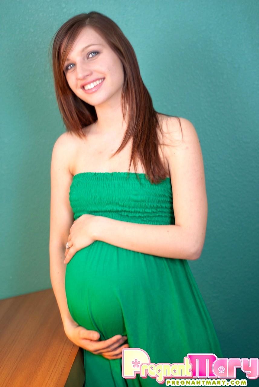 Skinny Pregnant Porn