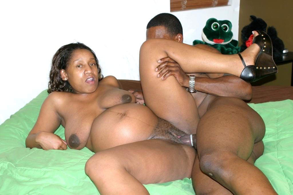 Pregnant black girl creampie