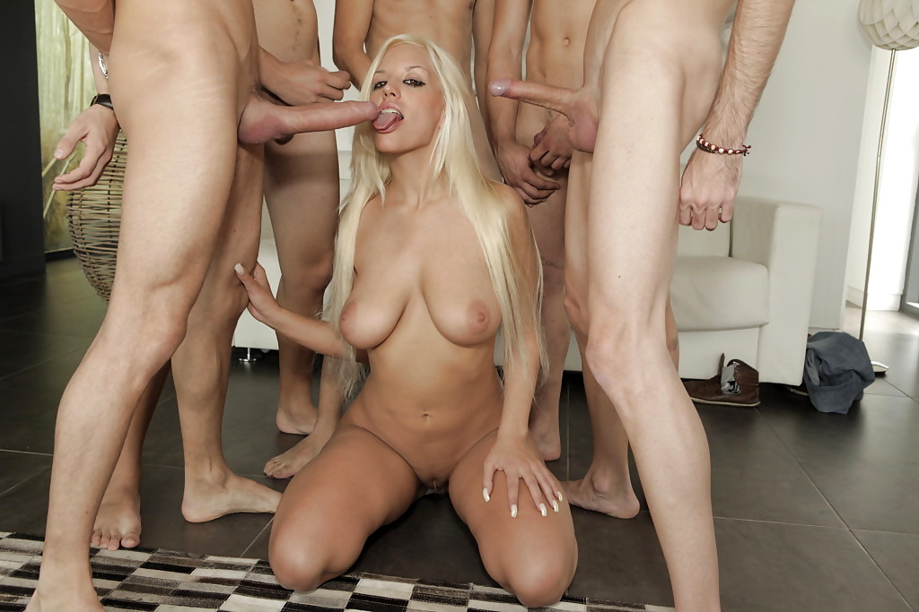 Nasty sexy blonde chick gangbang