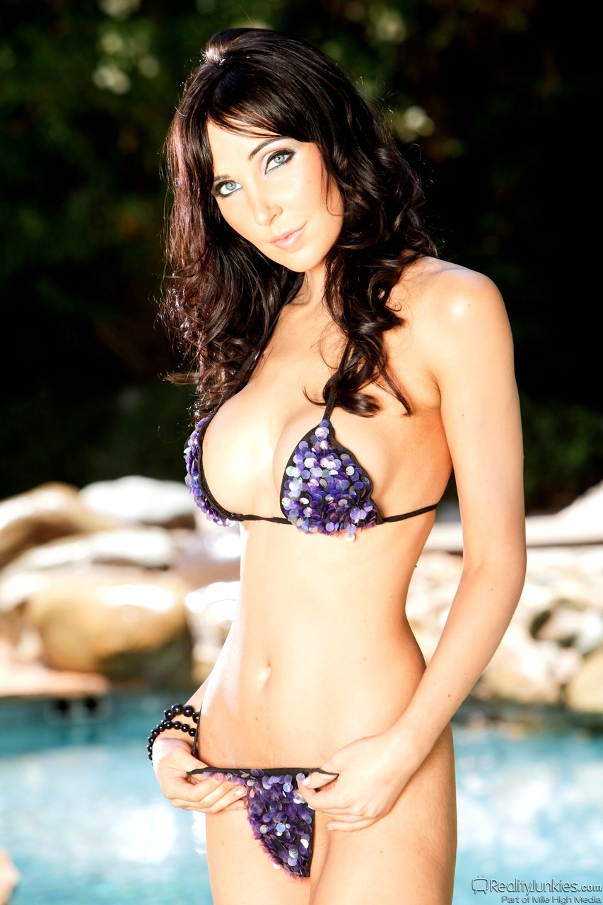 Babe Today Reality Junkies Diana Prince Bity Bikini Mobi Cid Porn Pics
