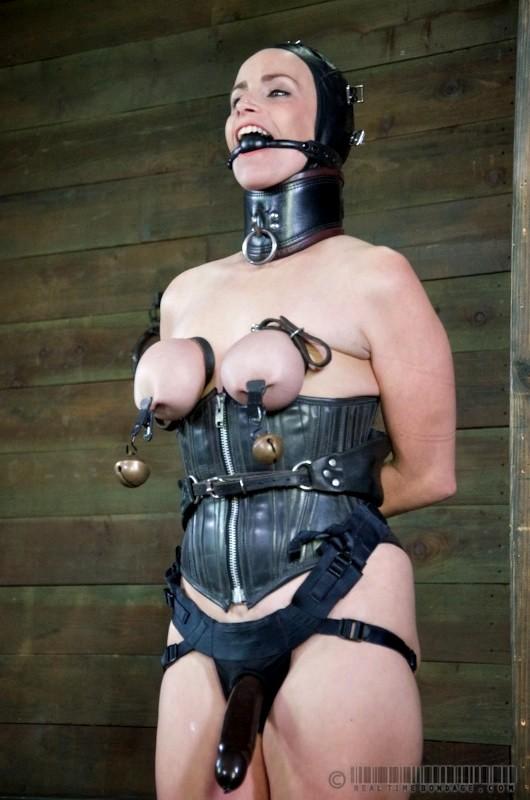 jennie garth nude fakes forum