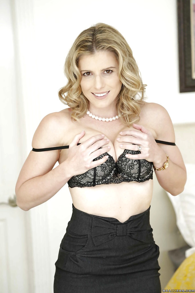 Married blonde babe Cory Chase freeing big MILF tits from lingerie  2268983