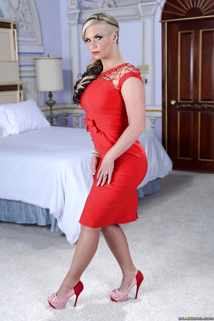 Phoenix Marie Milf Galleries 11