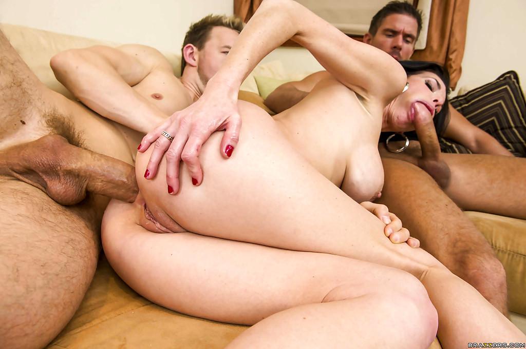 Смотреть Порно 40 Человек Ебут Одну