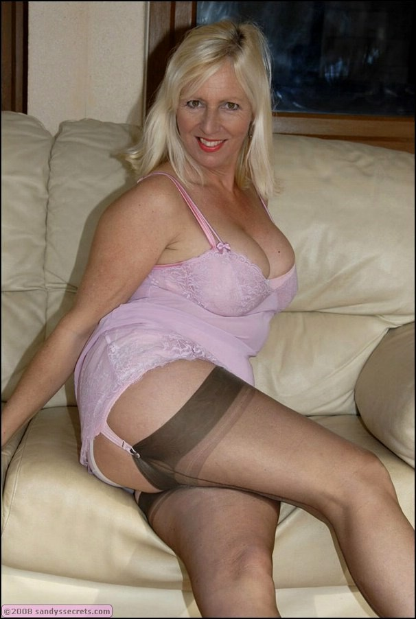Fat Blonde Milf 87