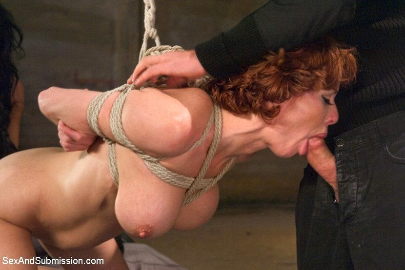 Порно мамки бандаж #14