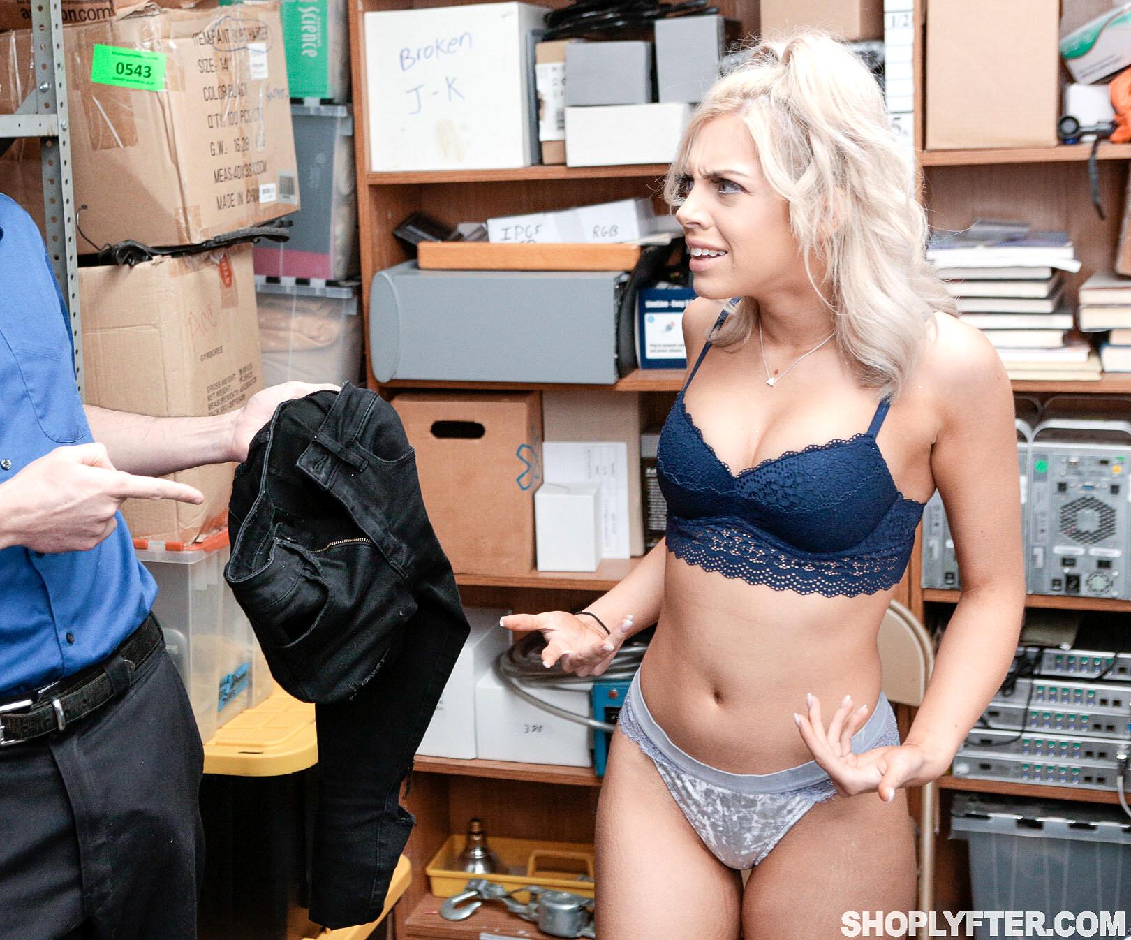 Amatuer stripper nite video