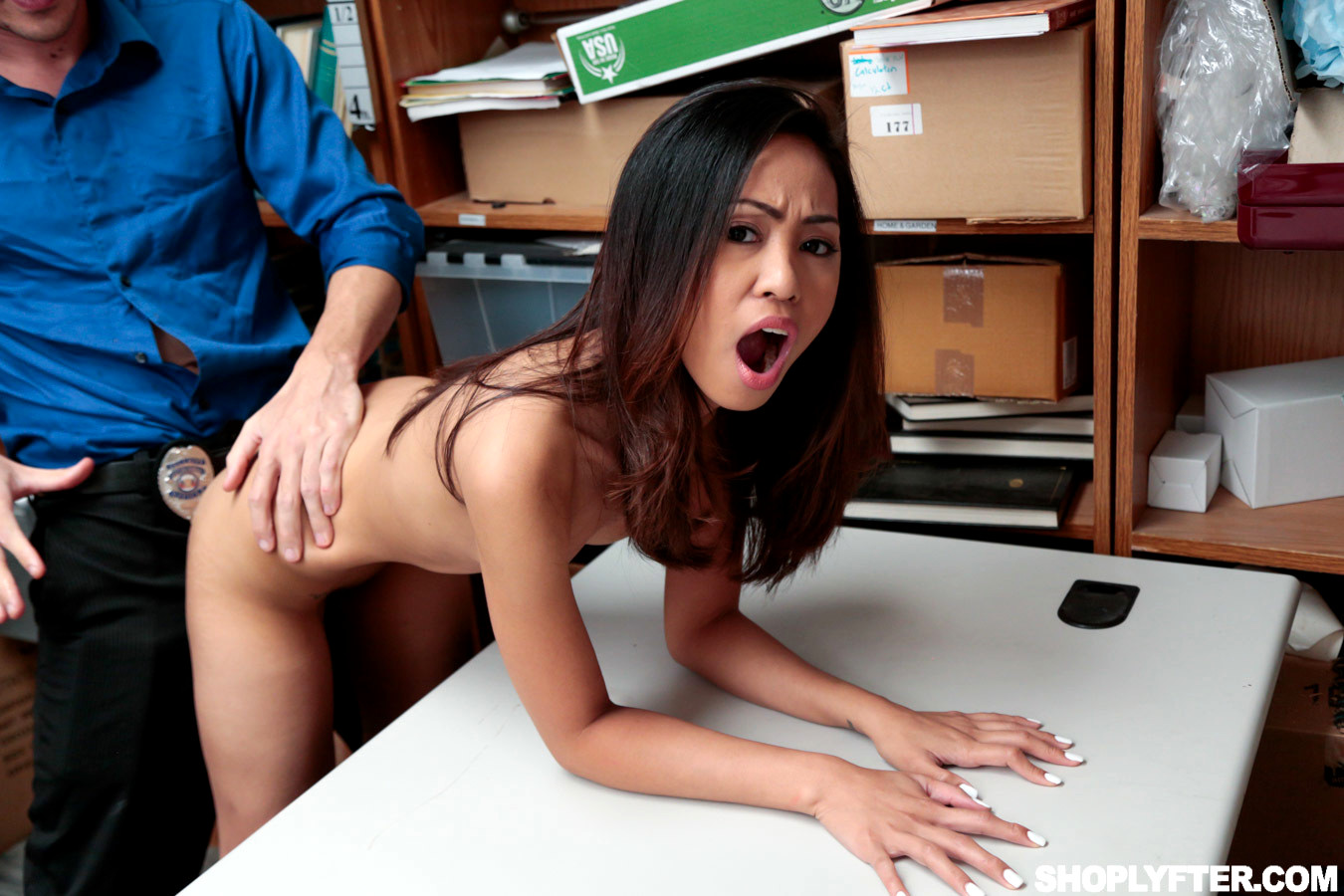 Babe Today Shoplyfter Aurora Winters Funny Asian Mobile -2642