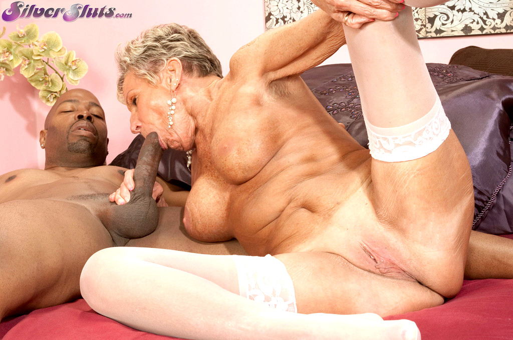 Old hungry woman sex tube — 9