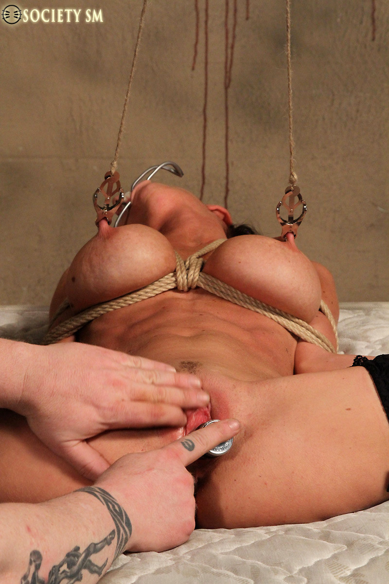 Silk naked action pic