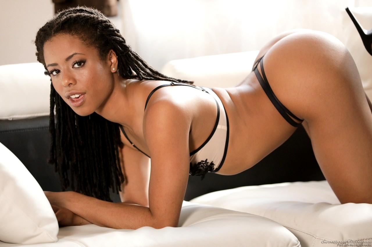 Французская чернокожая порнозвезда диана фото