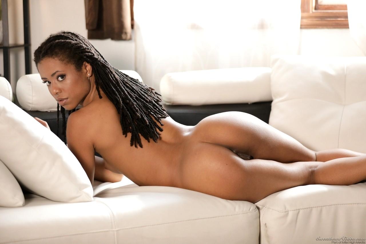 Big tits nude video-2989