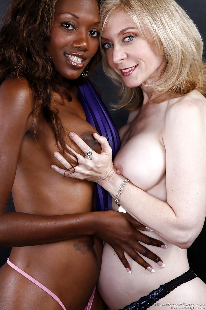 Youjizz Lesbian Ebony 18