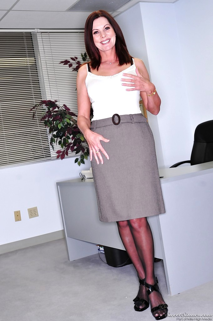 Mature boss woman Magdalene St Michaels spreading hairy pussy in office  884525