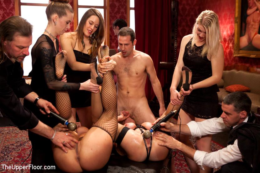 Смотреть порно вечеринки бдсм кинк — img 10