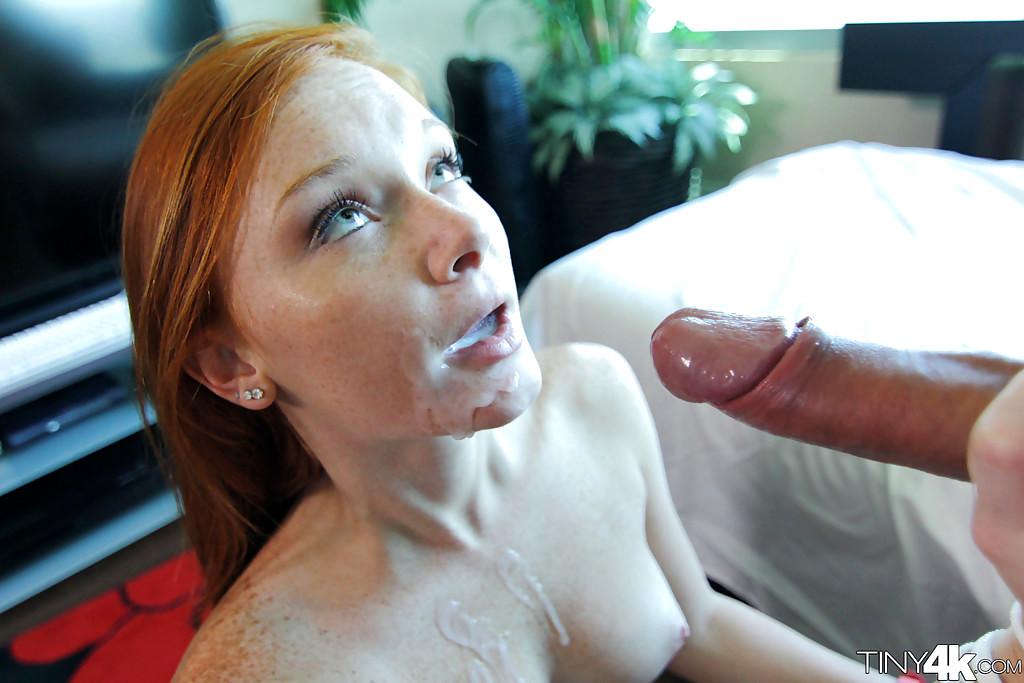 Смотреть порно девушка конопатая